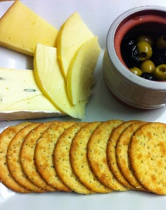 Cheese, olives & crackers